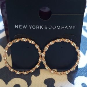 NWT NY&CO Rose & Cubic Earrings